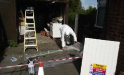 garage-asbestos-removal-team